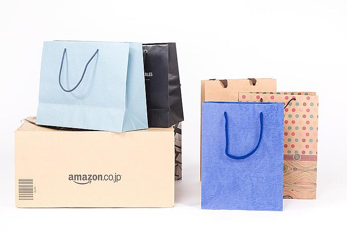 大量の買い物袋