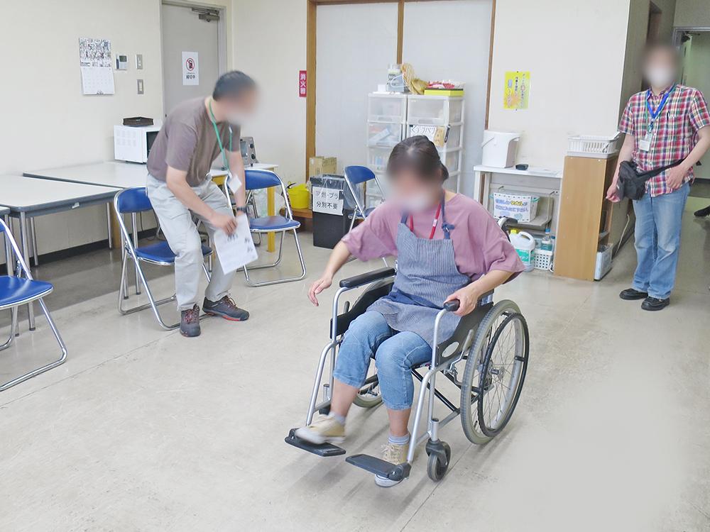 障害者雇用創造センター 車いす体験