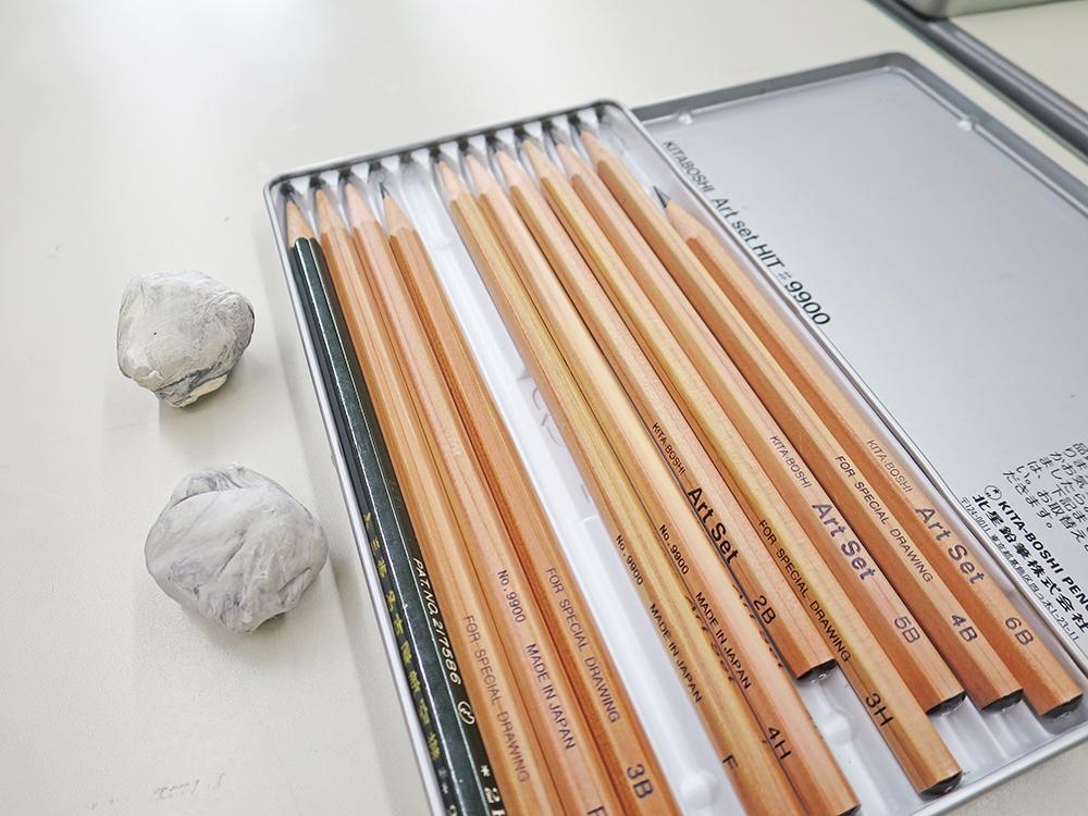 鉛筆と練り消し